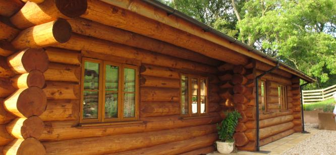 3 bed log home