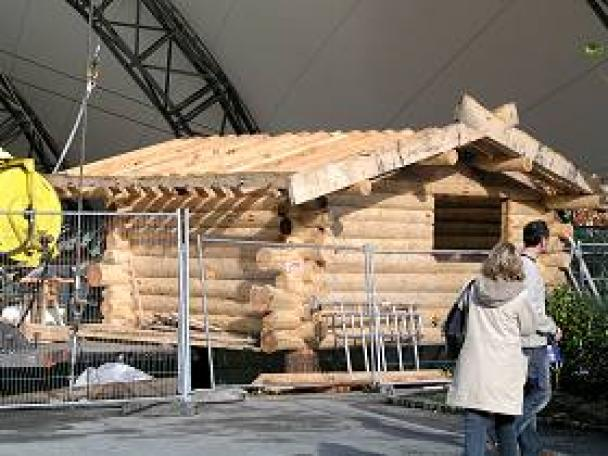 Eden project ice rink cabin woodenways for Log cabin project