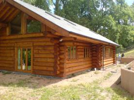 3 bed,Log House
